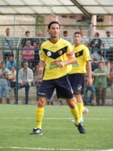 Dino Fava Passaro in maglia gialloblù (foto Fantaccione)