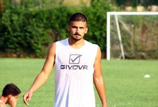 """Tutta la grinta di Giuseppe Carriero: """"Giocare davanti ai tifosi della Casertana sarà stupendo. Pronto a tutto per questa maglia"""""""