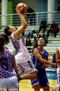 Un'azione di gioco del match contro Pesaro