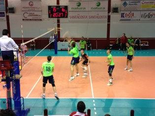 La Exton Volleyball Aversa in azione a Lagonegro