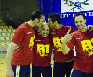 Capitan Francese festeggia la promozione con Falanga, Montò e Giacobelli