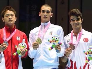 Vincenzo Arecchia, sul podio olimpico giovanile (foto Facebook)
